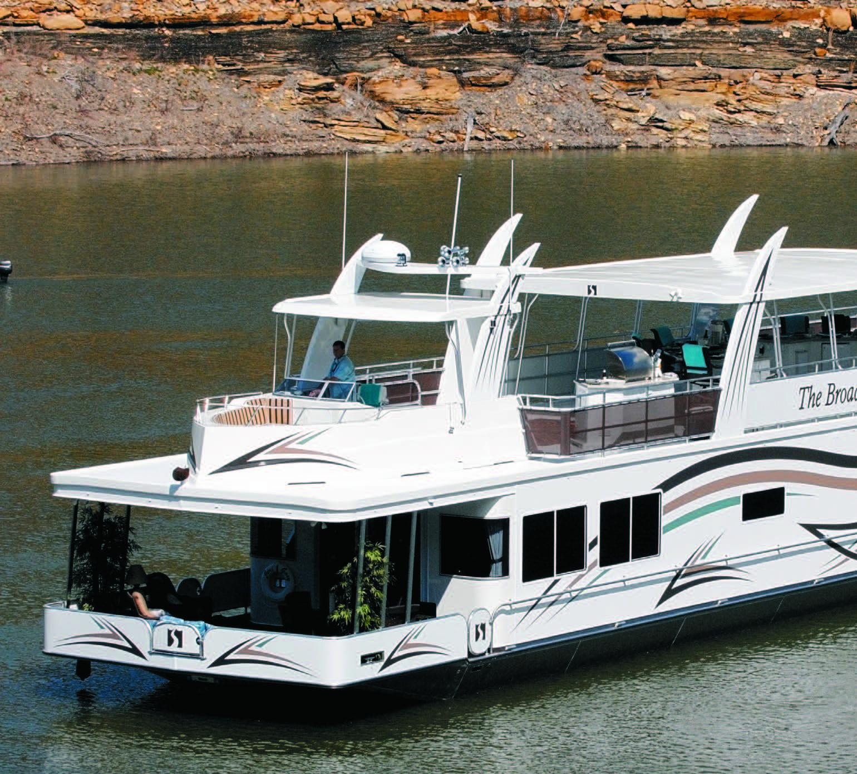 NADA Guide | Houseboat Magazine