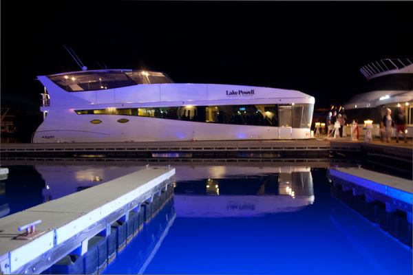 Axiom Debuts On Powell Houseboat Magazine