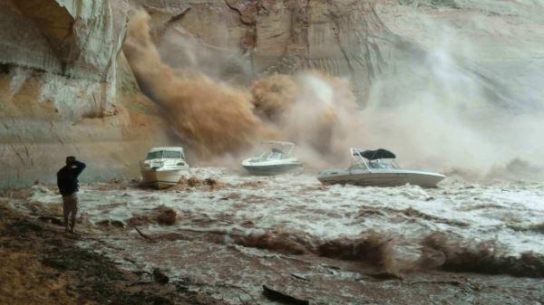Flash Flood At Lake Powell Sinks Boat Houseboat Magazine