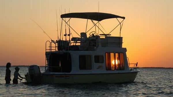 The Laws of Living Aboard And how they affect your state's