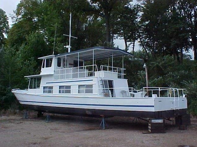 Houseboat Travels To Puerto Rico on Pontoon Boat Rentals Lake Travis
