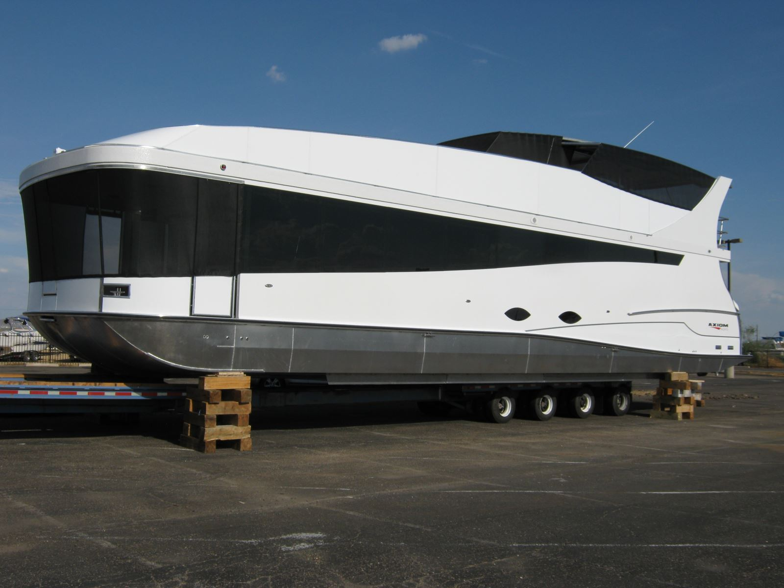 Brand new houseboat line | Houseboat Magazine