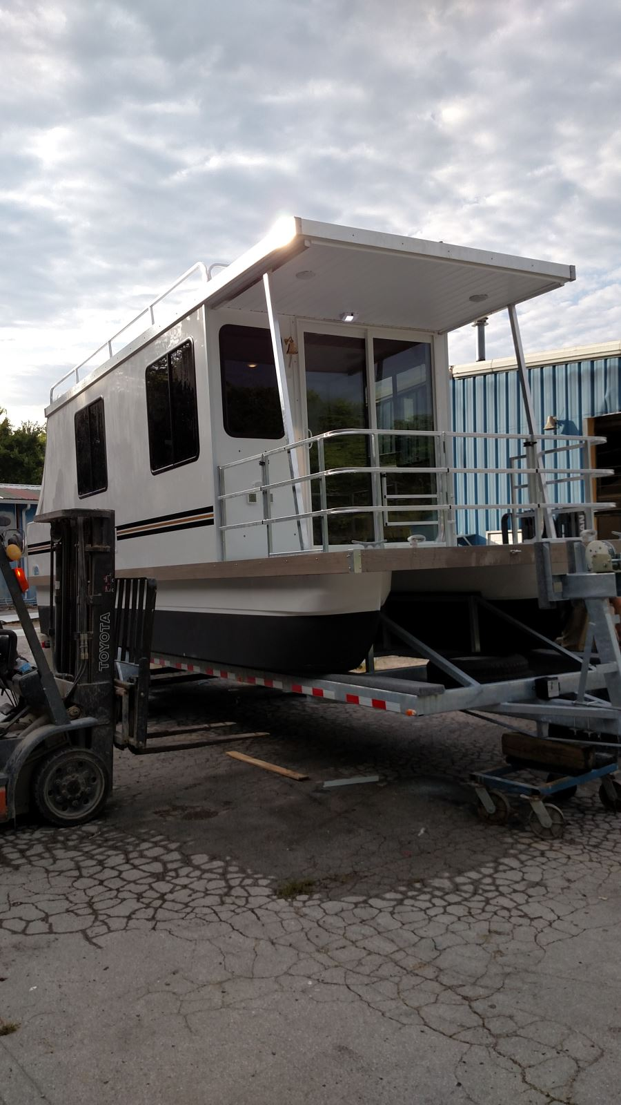 Trailerable Houseboats Images - Reverse Search